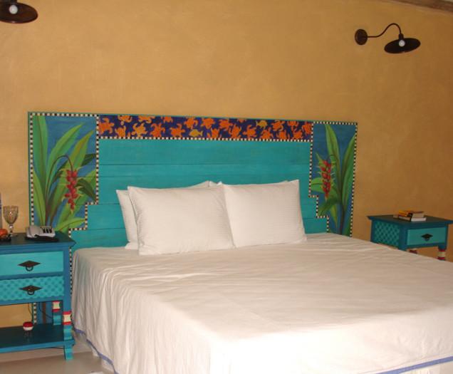 cabeceira de cama  e criados mudos pintados